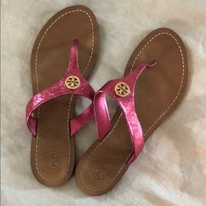 tory burch hot pink leather flip flops